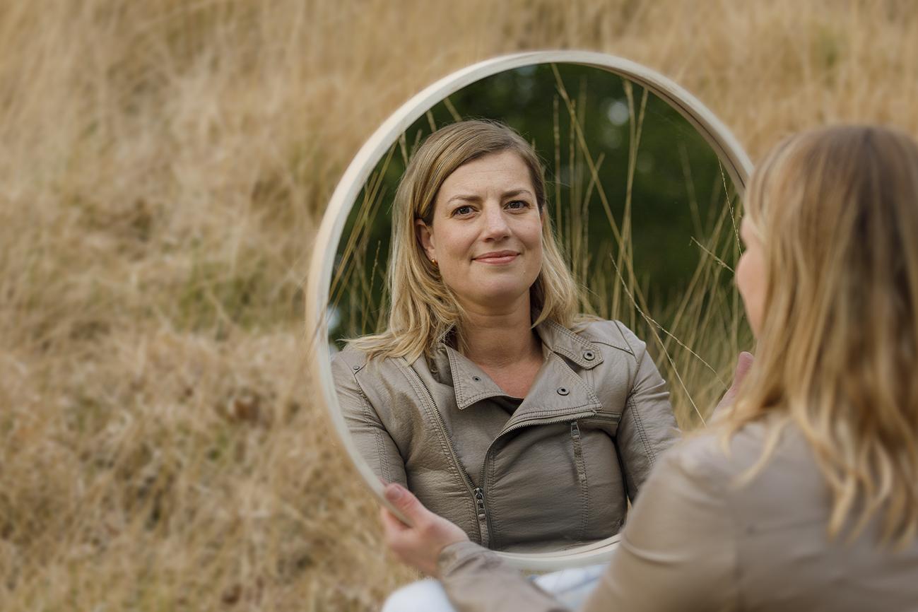 spiegel lach